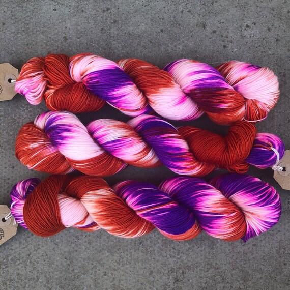 Seventies Vibes, purple orange merino nylon sock yarn