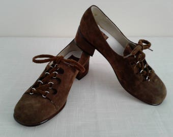 """MOD Vintage 70s Shoes Sz. 5~5.5 Brown Suede Leather Modern """"Servas""""/Festival Boho/Baby Doll Lace Up Pilgrim Chunky Square Heel"""