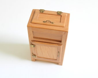 Miniature Ice Box, Dollhouse Ice Box, Miniature Ice Chest, Dollhouse Ice Chest, Miniature Fridge, Dollhouse Fridge, Miniature Refrigerator