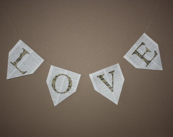 "Wall Banner with ""Love"" Letters With Key and Fleur de lis"