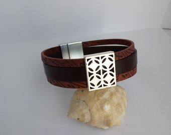 wide brown leather with silver magnetic clasp bracelet
