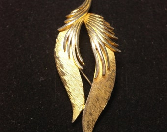 Vintage Gold Tone Feather Brooch signed Corocraft