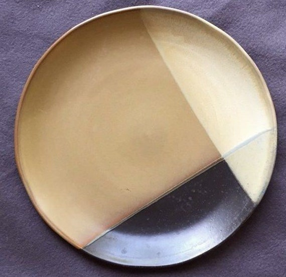SANGO Gold Dust Black pattern 5022 PLATE 10.75 inches