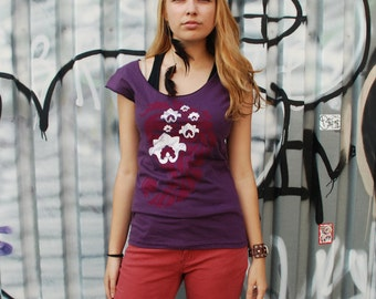 M,L - Yoga top, graphic tee for women, womans tops tshirts, silkscreen womens t-shirt, purple tshirt, paisley lotus design