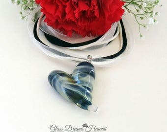 Glass Heart Necklace, Borosilicate Glass Heart, Handmade Lampwork Glass Heart, Romantic Heart Necklace, Stylish Glass Heart Pendant