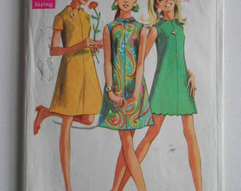 Vintage 60s Misses High Scallop Neckline Dress in Mini or Regular Length Sewing Pattern Simplicity 7635 Size 14 Bust 36