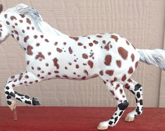 One of a Kind Personalized Dream Horse - Classic Scale