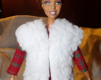 White faux fur vest for Fashion Dolls - ed696