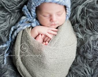 chunky thick and thin knit newborn bonnet