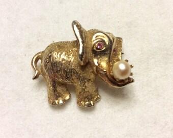 Vintage Kramer pearl pink rhinestones elephant brooch pin
