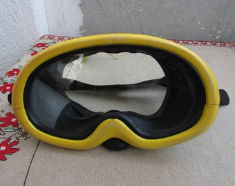 Vintage Scuba Diving Mask CHAMPION, Rubber Diving Mask for Adults #3, Old Swim Mask, Half mask, Oval Glass Diving Mask, Mask for Swimming
