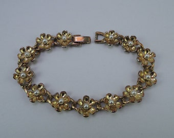 Dainty Gold Tone Flower Bracelet with Faux Pearls 1950s