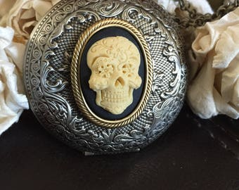 Sugar skull locket necklace, skull gift,cameo necklace, gothic necklace, day of the dead, cameo necklace,pirate necklace