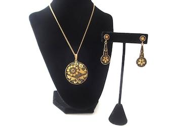 Vintage Gold Tone Metal and Black Bird and Flower/Floral Damascene Demi Parure Pendant Necklace & Pierced Dangle Earrings Jewelry Set