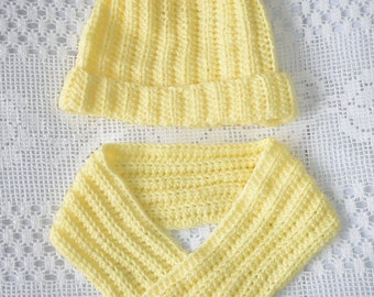 Lemon hat and cowl set, ladies