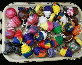6 different stitch markers.