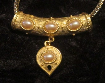 Vintage Gold and Pearl Heart Pendant and Chain - N-083 - Pearl Pendant - Gold Heart Pendant - Pearl and Heart Gold Pendant
