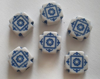 Ornate shape Blue and White acrylic beads 10pcs