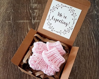 Light Pink Socks Pregnancy Announcement - Pregnancy Reveal To Grandparents - Baby Socks Reveal To Family - Announcement Box - Personalised