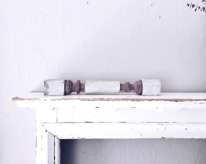 Vintage Wooden Baluster // Primitive Display