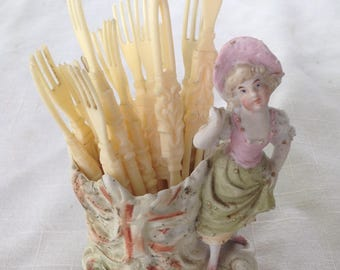 Vintage Colonial porcelain toothpick holder and toothpicks