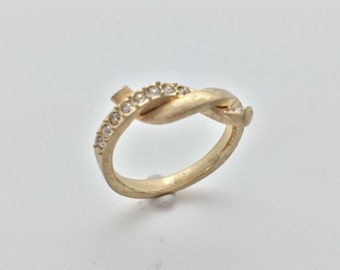 Gold Twist Fashion Ring with Crystal Accent // Matte Gold Finish // Tarnish Resistant // Size 8.0