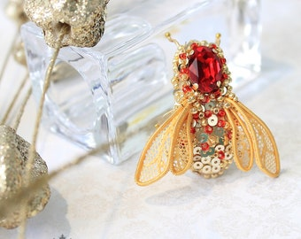 Bee brooches jewelry handmade insect art ooak embrodery 1.5 inches Free shipping