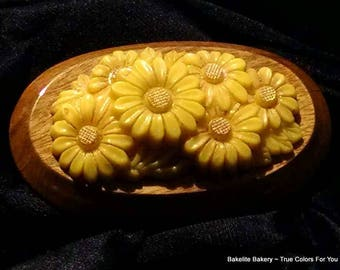 Estate Brooch Antique Yellow Mums Carved Vintage Pin Molded Celluloid Art Deco Bakelite Era Modernist Flower Boho Chic Gold Natural Wood Pop