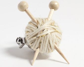 Sparkly White Knitter's Brooch - Ball of Wool and Knitting Needles