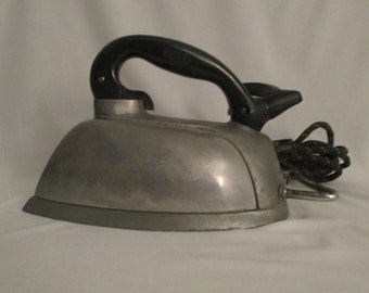 Vintage 1930's Silex Co. Automatic Electric Steam Iron Catalog No 244 ~ Wet or Dry
