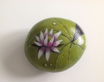 Waterlilly painted rock paperweight