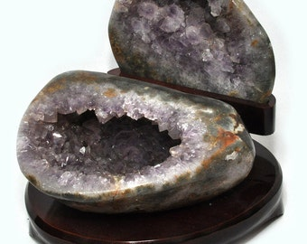Agate Geode, polished, on wooden base, with Ametystkristallen