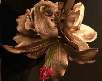 Rockabilly 1950s Rock'nRoll Gold Flowers Clip