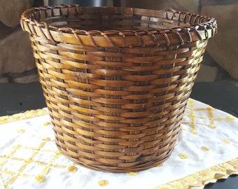 Vintage Woven Waste Basket, Planter Basket, Waste Can, Trash Can, Woven Straw, Weaved Basket, Lined, Wicker, Rattan Basket, Plant Basket