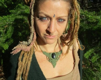 beautyful green faerie forest sacred Makrame Healing hawk EyeStone Necklace