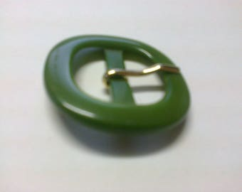 """Rounded"" medium green plastic square earring passage 2cm * BO19 *."