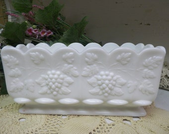 1 Vintage Westmoreland Paneled Grape Milk Glass Large Planter White Glass B970