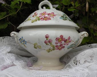 Small antique white ironstone tureen, French ironstone tureen, floral transferware, shabby chic white floral tureen, country home, soupiere