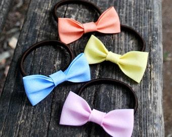 bow hair/ scrunchie/ hair elastic/ set of 4 elastics/ hair accessories/ bow handmade/ ponytail/ girls