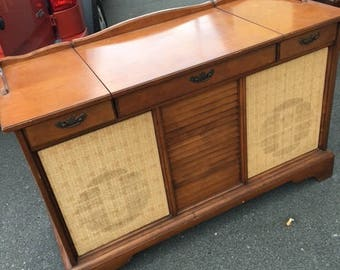 Vintage GE stereo console..local pick up only!!!