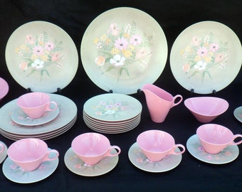 36-Piece Vintage Brookpark Capistrano Melamine Dinnerware Set, Pink with Flowers