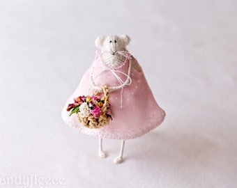 Knitted Rat Mouse Easter Home Decoration Mothers Day Gift For Her Knitted Art Animal Soft Art Mouse Doll Stuffed Animal Candyfleece Pink