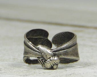 Antique Silver Dragonfly Ring Wrap -- Great Detail!