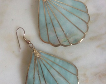 Vintage Earrings Mother of Pearl Dangle Gold Iridescent