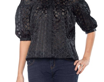 Black Short Sleeve Lace Top Size: 12