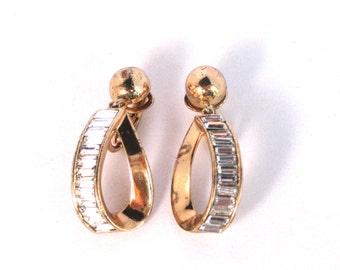 Vintage Trifari Rosegold Clip On Earrings
