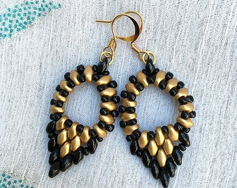 Black and gold beads woven earrings