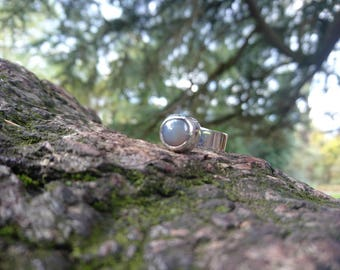 Grey Moonstone, round cabochon bezel 925 Sterling Silver Ring