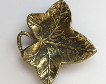 Small Brass leaf vintage ashtray, 90 x 80mm Good condition