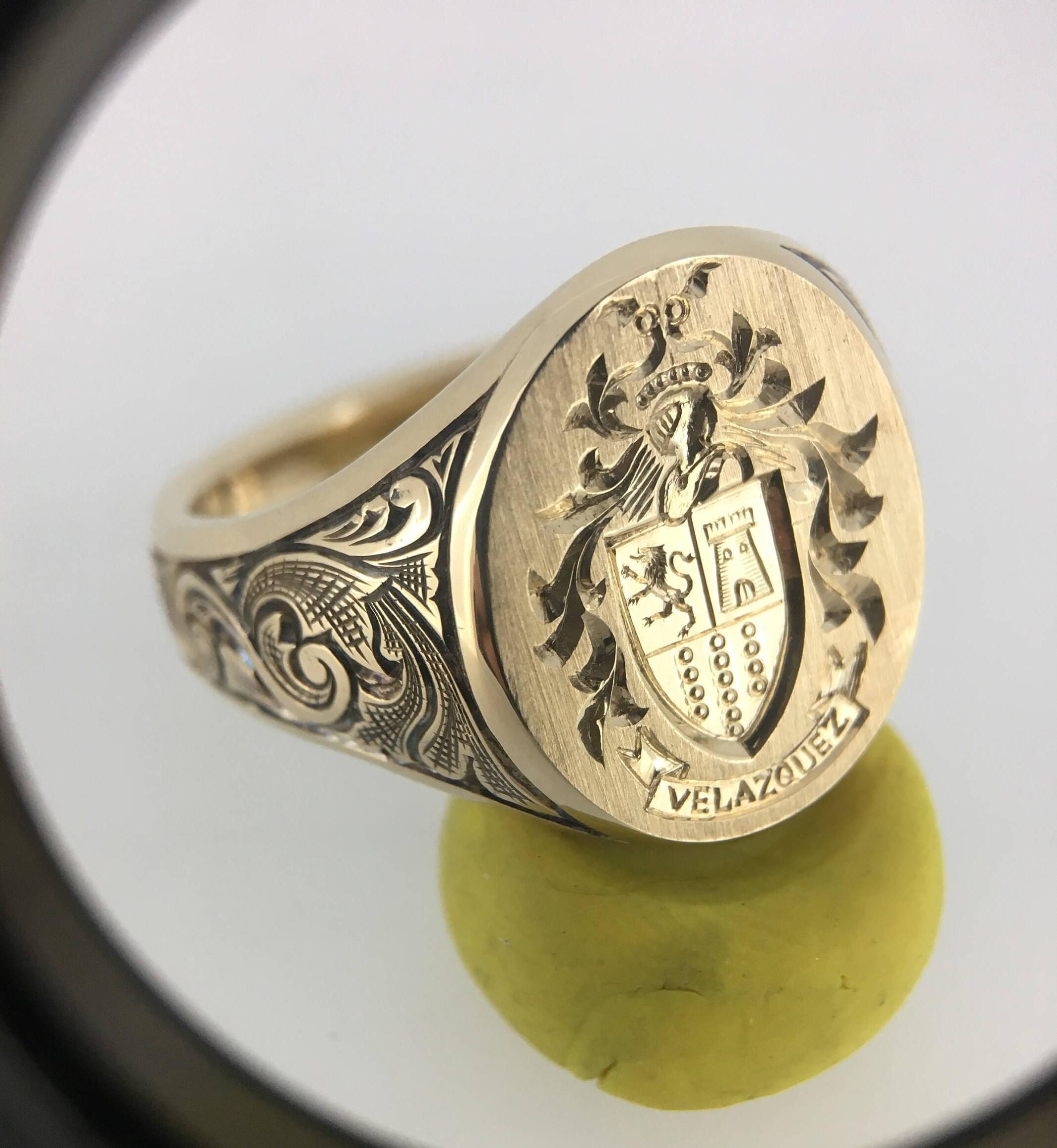 Lion Crest Signet Ring